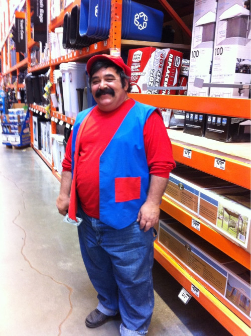 lol-post:  Met Mario at work!http://lol-post.tumblr.com/