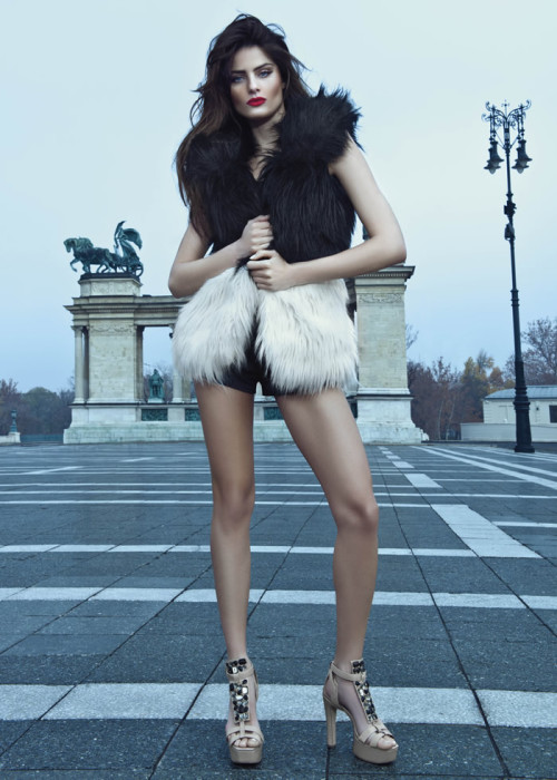 vs-angelwings:  vsupdates:  Isabeli Fontana for Morena Rosa Shoes Winter 2013  Everything is so perfect! The outfit, the hair, the makeup, the surroundings, wow!