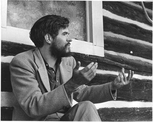 Stan Brakhage. I might have posted this before, claiming that was the style I wanted. Well, I guess this is also acceptable.
