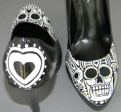 thehouseofspook:  Day of the dead  sugar skull hand painted shoes by sacchetto (50.00 USD) http://etsy.me/16CcB1r