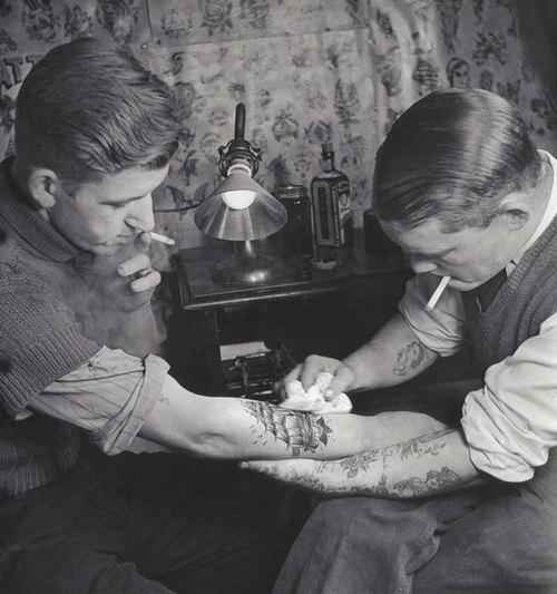 dive-into-the-swell:  Tattoo Parlor from the 20s