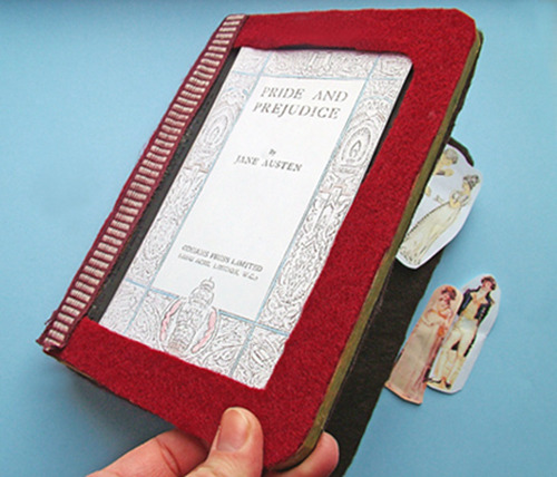 How to make a Portable Pride and Prejudice magnet book. smallworldland submitted.  Thank you, love it :)!
