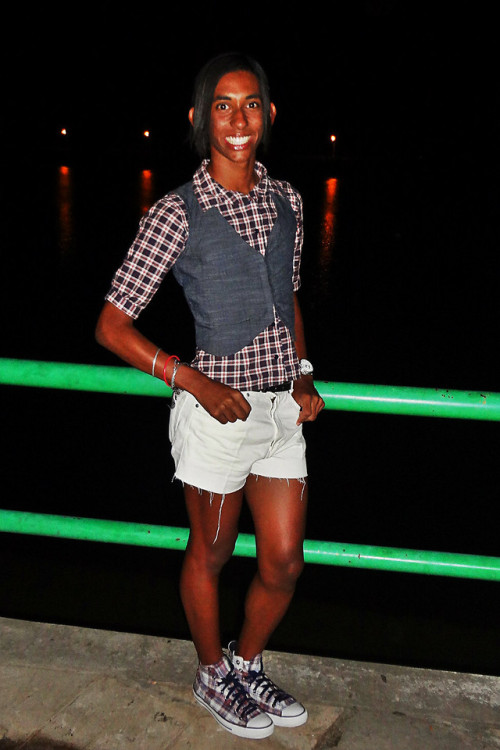 Shorts and plaid.. perfect blend! :P  (by Gustavo Ieladian)This is who I am.. just a funny boy with girl clothings!
