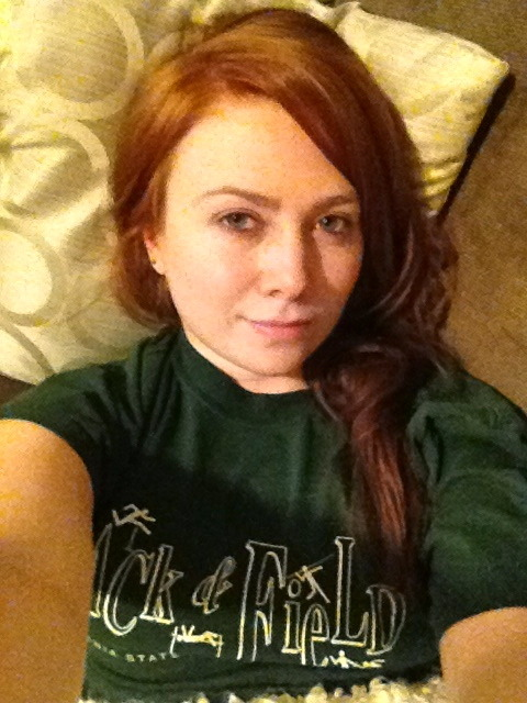 Selfie. No makeup, wet hair, borrowed boyfriend tee.  Clearly, I'm bored.