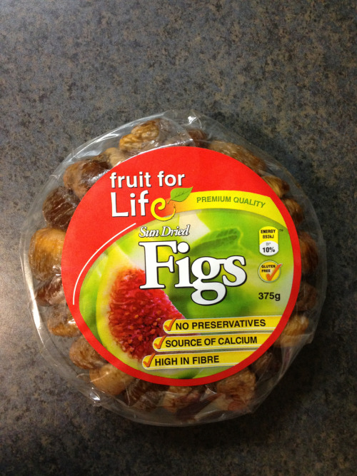 cleanbodyfreshstart:  Sundried Figs  Not only are they so delicious, plump and down right scrumptious- they are an excellent source of calcium. Per serving you get 17% of you RDI of calcium!