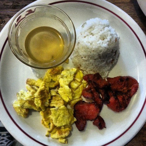 #brunch #scrambledeggs #tosino #riceball #vinegar #topchef #chef #mygirl #betterthanyours #takenotes #ratchets @anghella gets down!