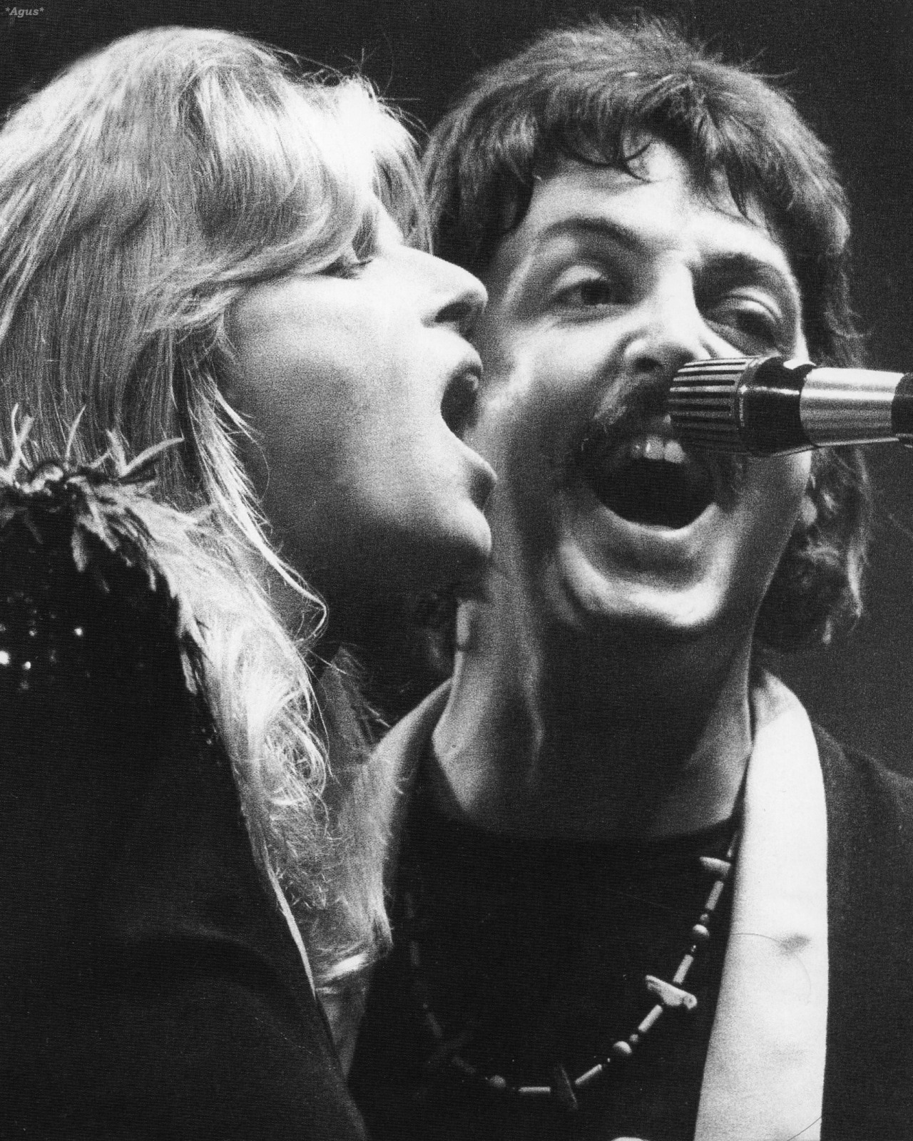 ticket-to-rhye:  Paul and Linda McCartney on stage (1976)