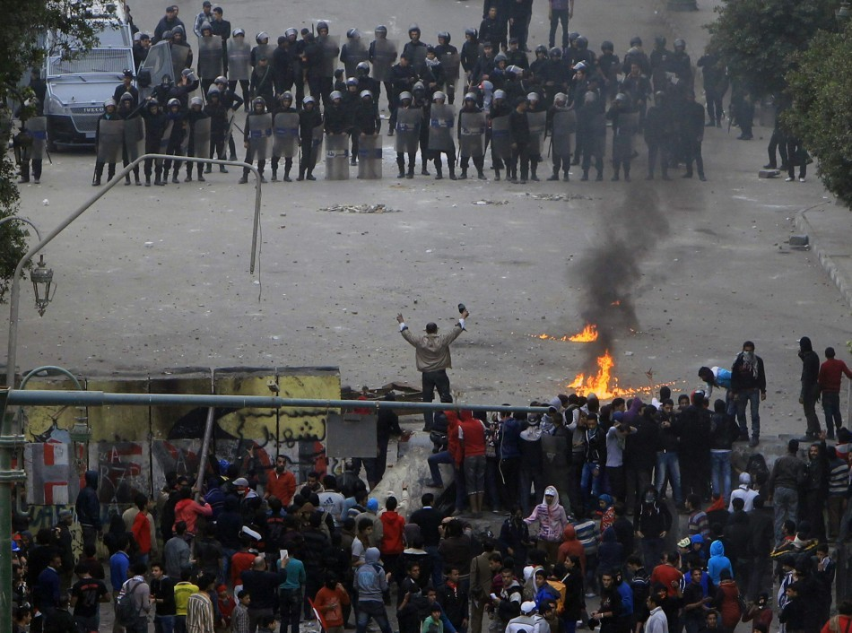 Clashes between protesters and police broke out in the Egyptian capital Cairo yesterday as opposition groups organised a rally to mark the second anniversary of the uprising that ousted dictator Hosni Mubarak. http://www.ibtimes.co.uk/articles/427821/20130125/eygpt-uprising-anniversary-cairo-tahrir-square-mubarak.htm