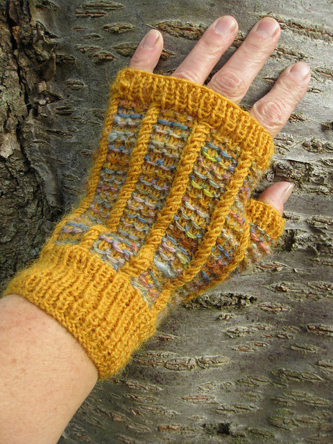 (via Ravelry: lindsaymudd's Ronaldsay Fingerless Gloves)