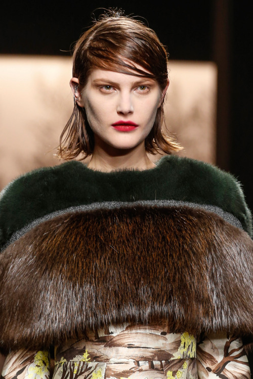 LOOK AT THAT HAIR!     MARNI RTW 2013