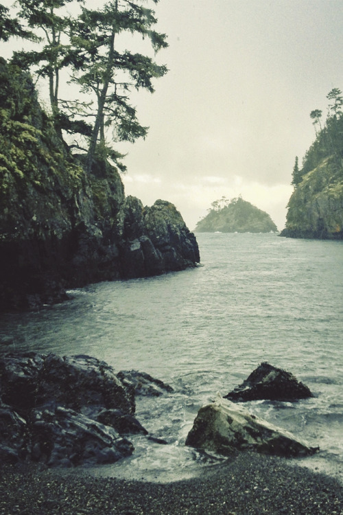 tearingdowndoors:  Iron Mine Bay | tyler forest hauser