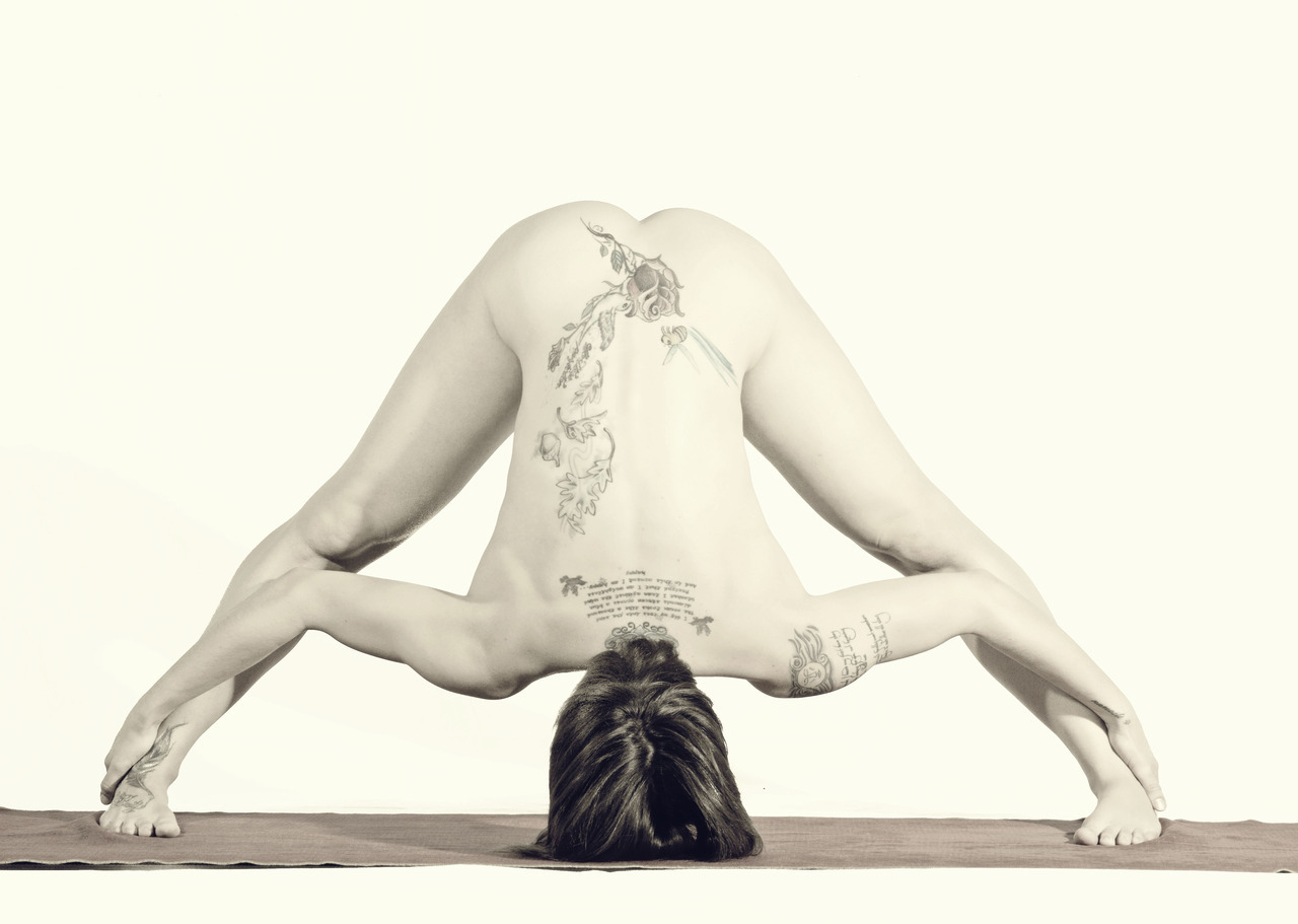 tumblrgymyoga:  Follow Tumblr Gym: Yoga if you love yoga <3
