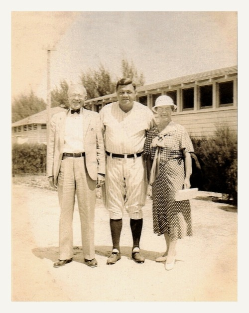 Babe Ruth Meets Mr. & Mrs. Tully St. Petersburg, Florida - March 20, 1933 Seems like The Babe always had time for a quick photo with the fans…young or old.