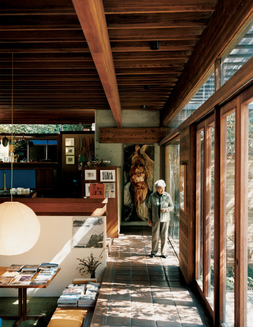 blueberrymodern:  ray kappe residence, pacific palisades, 1967 - photo by joao canziani, dwell magazine sep 2008  Love it