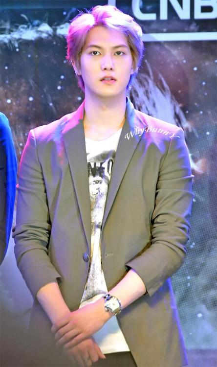 cnbjonghyun:  130503 BLUEMOON BANGKOK PRESS CONFERENCE CR @WhyBunny