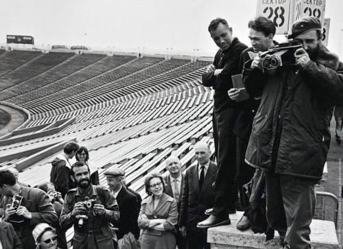 fidel castro camera leningrad stadium 1963 cuba ussr ccc cccp