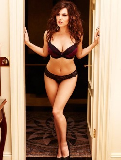 hottestbabes420:  Kelly Brook