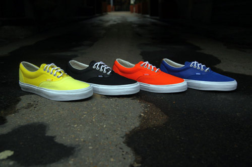 "Vans Syndicate x Carhartt Era ""3M Pack"" via [http://bit.ly/XOYeys]"