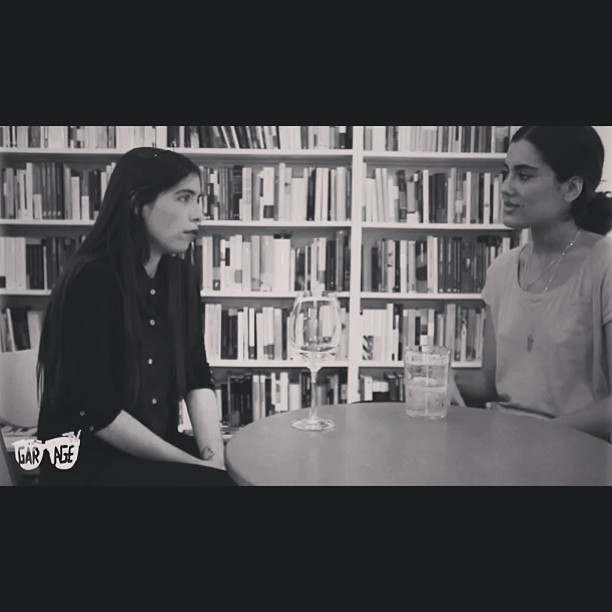 animalitoinexpresivo:  Hablando en Garage Tv 2, #tv #interview #poetry #books con la preciosa @carla_cabrera