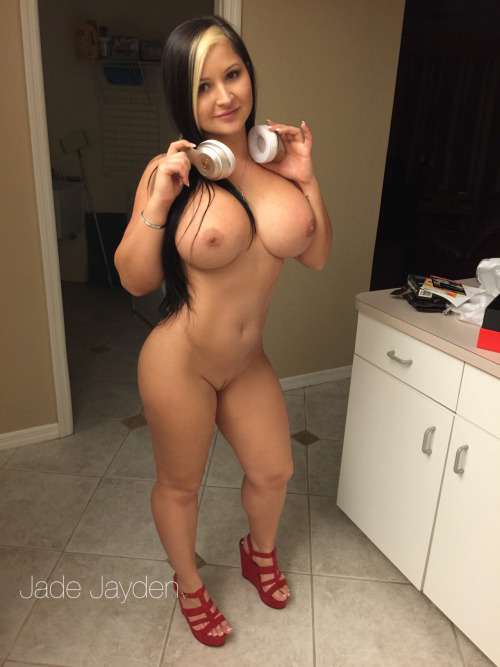 Girls with Big Boobs, Women with Big Titties