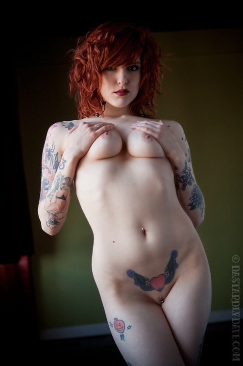 templeofginger:  http://templeofginger.tumblr.com/ Red is the color of Love. Take a minute, drop by, say hi. And share, it's all good.