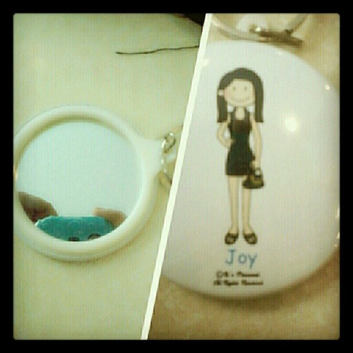 cute..:) #itspersonal #keychain #mirror #TagsForLike #photooftheday  (at SM Mall of Asia)