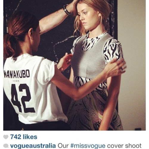 lpdnyc:  Vogue Australia fashion director Christine Centenera rocking the #TeamKawakubo tee on set!