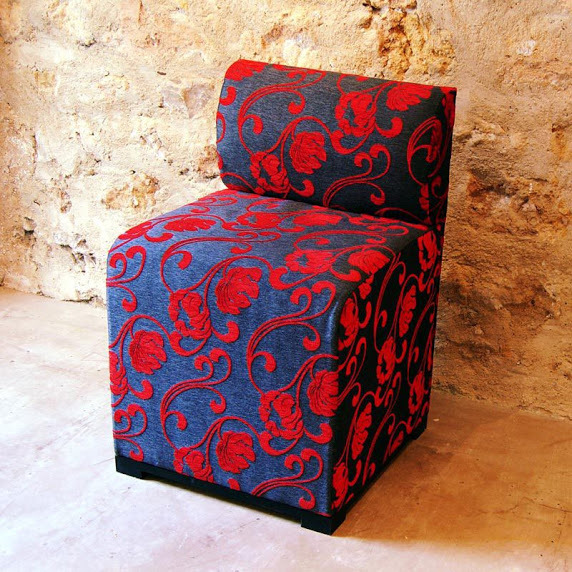 Chaise banquette bleu et rouge - Two tone chair