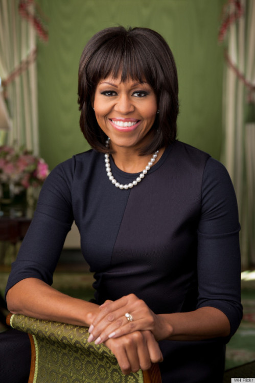 The new portrait of the @FLOTUS has been released by the @WhiteHouse and I am so proud to be an American.  This woman is an incredible representative for African Americans and these United States. #LivingBlackHistory