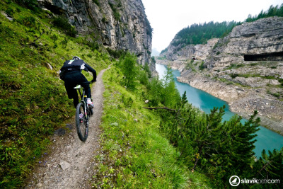 bikemech:  Trail of the day! Look at that great river.