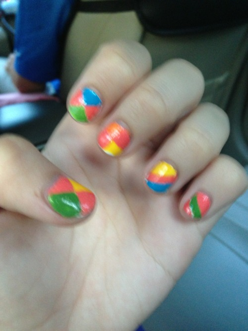 MY NAILS! I think they are not bad. Okay I think they are QUITE NICE(but the picture is quite blur)   I'm so excited for USS this Sunday! Its all I can think about at work 😂 (really)   On monday, I was having the monday blues and complaining about how the week seemed so long, but now I'm halfway through the week :)  And my parents made me so worried today at work. They took a 12 hour flight and they promised to tell me when they reach, BUT NO THEY DIDN'T.  I waited and waited until 6pm + before they finally WA me..  BUT I'M SO GLAD THEY HAVE LANDED SAFELY.  They really deserve this, cause they've worked so hard for so long. (And I don't think anyone can comprehend this unless they've gone through it, and been through what we have been through…)   I wish 1st June would come soon, so I can have my parents back with me (I sound like a clingy kid) but at the same time I wish 1st June would come later so that they would spend more time on their holiday, but time cannot be manipulated.  And not bad, I managed to reject going for dinner with my colleagues, with a valid reason(NOT EXCUSE)  :)