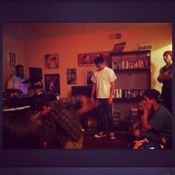 Living room sessions at La Casa De Fresh and Fly with Until We Die, Bboy Reveal, and V-Flav. #freshandflyproductions #sactownunderground #untilwedie #sacramento #bboy