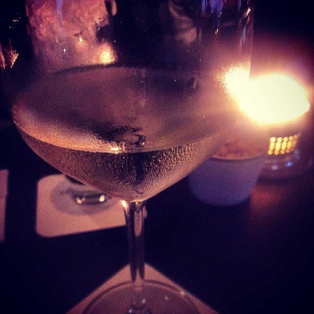 Chillin' in white #wine #relax #drinks #instamood #hkig #hongkong  (at Cafe Gray Deluxe)