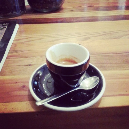 Decided to skip the happy hour for an expresso moment. #Mmm #Elixr #TGIF (at Philly)