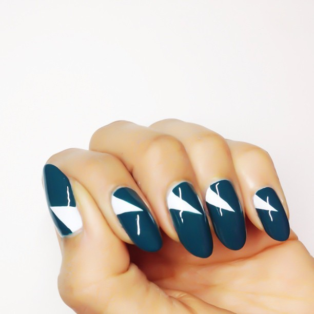 karengnails:  Side Sweep 💅 #nails #manimonday #nailart