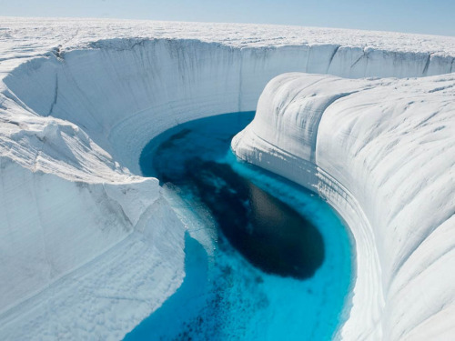 lacerto:  Ice Canyon, Greenland by Julian Pencilliah.