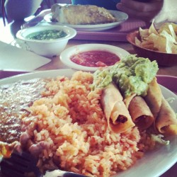 Lunch with my man :) #foodporn #nom #mexicanfood #taquitos #delicious #bomb @guyotryan  (at Bobby D's Mexican Restaurant)