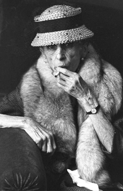 jecer:  chagalov:  Karen Blixen, 1961 -by Léon Herschtritt [+] [+]   via Journal de la photographie