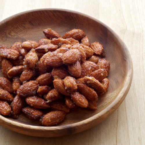 tastebones:  ginger honey roasted almonds