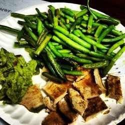 Breakfast! Chicken, green beans and guacamole! #paleo #cleaneating #healthy