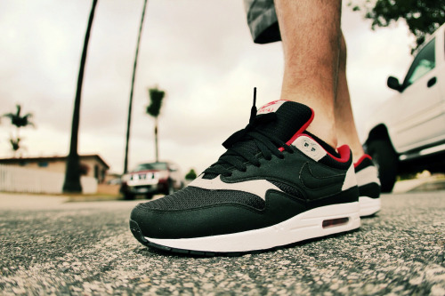 sweetsoles:  Nike ID Air Max 1 (by Never Wear Them)