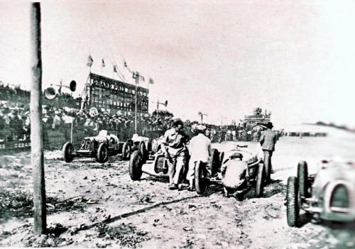 1st racing apareance: 1934 French Gp.   they were already painted silver. they already weighted less than 750kg.