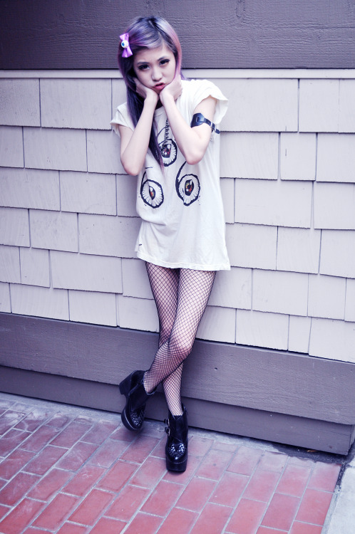 keikeifashion:  essyviolet:  More outfit photos on my blog NAO <- clicky clicky  I love this essy!