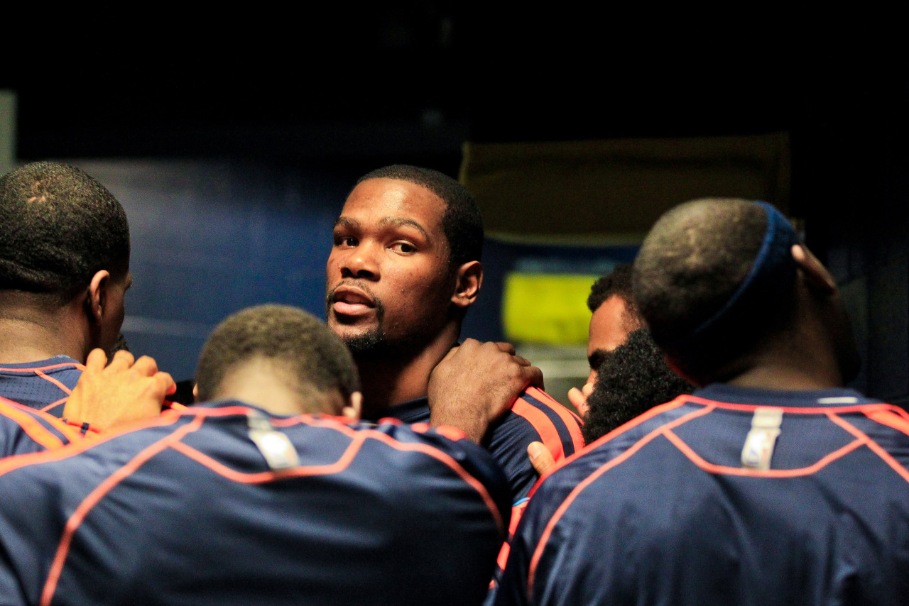 nba:  Kevin Durant of the Oklahoma City Thunder leads his teammates in a huddle before playing the Memphis Grizzlies in Game Four of the Western Conference Semifinals during the 2013 NBA Playoffs on May 13, 2013 at FedExForum in Memphis, Tennessee. (Photo by Layne Murdoch/NBAE via Getty Images)  Goodbye, OKC.