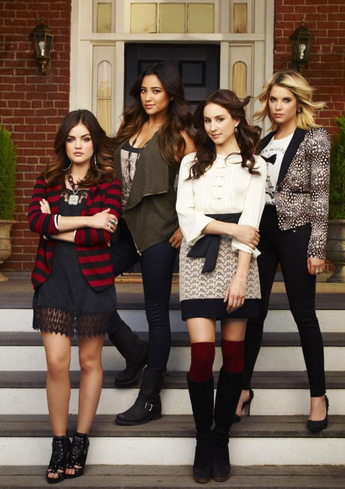 prettylittleliars-onabcfamily:   Only 7 little weeks, liars! REBLOG if you're dying for PLL to return!