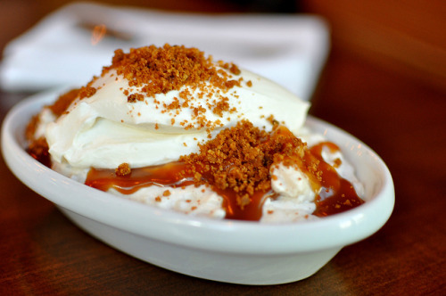 rice pudding with mexican cinnamon, vanilla, fresh whipped cream, nut brittle, and caramel photo by cathydanh