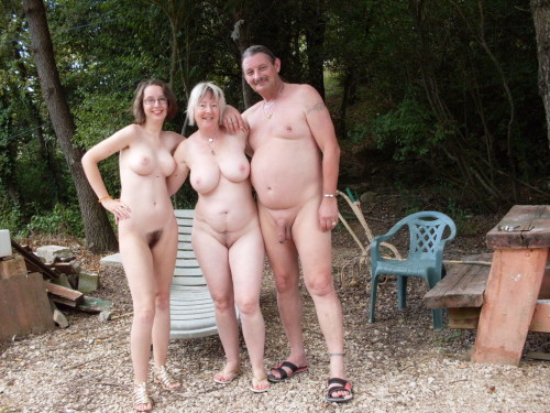 "ramblingtaz:nudistfamilysblog:nudeliberty:Family and friends.  I am very envious of them.Sameplease submit your articles or photo's on nudism/naturism. My blog is about Nudism and Naturism. About how they are not inherently dirty or sexual, about how they are healthy and good for people of all ages. I encourage you to try non-sexual Nudism and Naturism. The International Naturist Federation defined naturism as ""a lifestyle in harmony with nature, expressed through social nudity, and characterized by self-respect of people with different opinions and of the environment submit here"