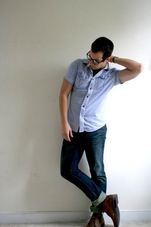 Check out tzinistalks.tumblr.com he's the guest model!