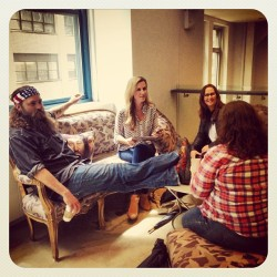 aetv:  Lookie here, lookie here… Guests at the @AETV office! #DuckDynasty (at A+E Networks)