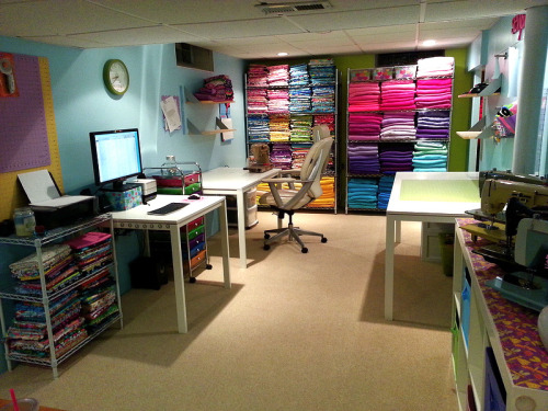 cajunmama:  Reorganized Sewing Room (by Vociferous)  I want